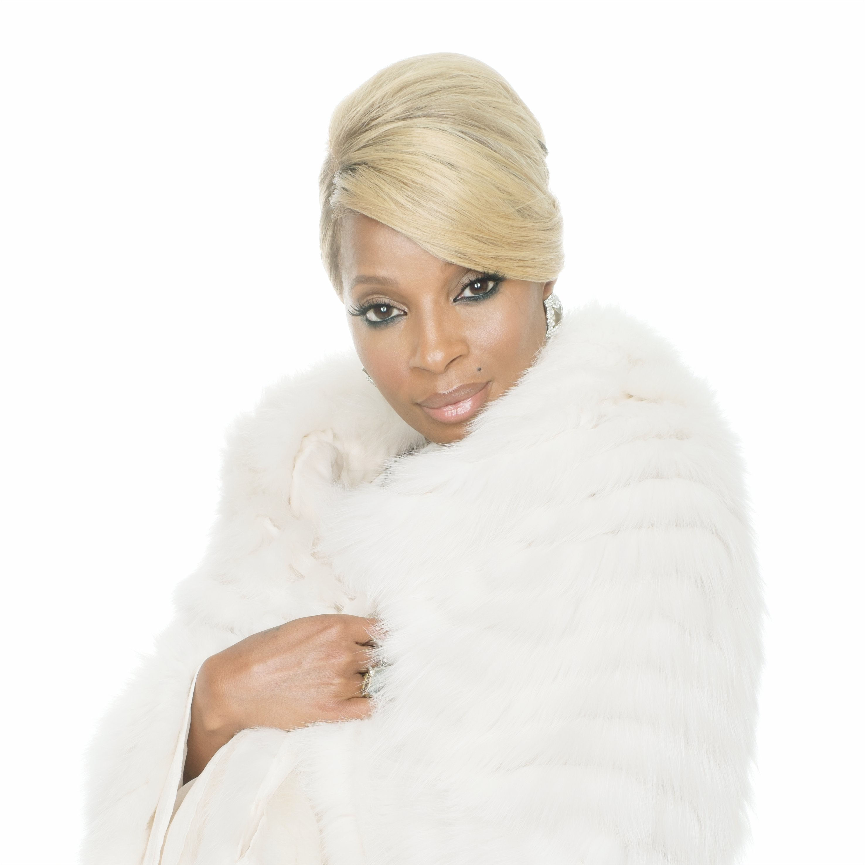 Mary J. Blige Brings Holiday Cheer To HSN With Special HSN